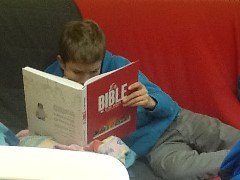 A l'aumônerie, on lit la bible en BD, en manga...